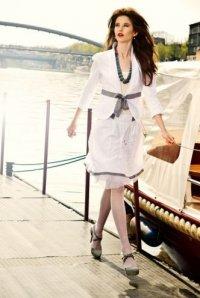 Suknia ślubna z sieciówki: żakiet i spódnica