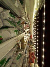 Produkty ustawione w chłodni